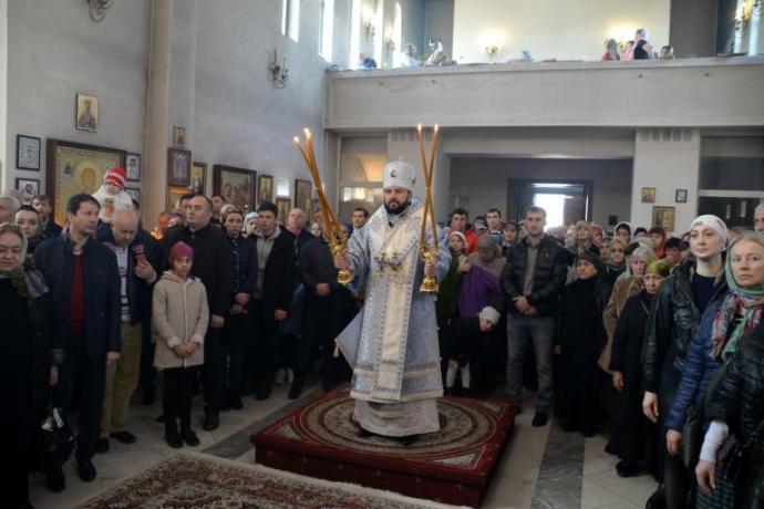 В праздник Благовещения Пресвятой Богородицы архиепископ Леонид возглавил богослужение в Свято-Георгиевском Кафедральном соборе