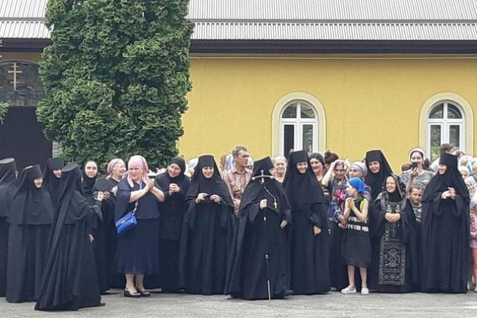 В Аланском Богоявленском женском монастыре отметили престольные торжества Елизаветинского храма