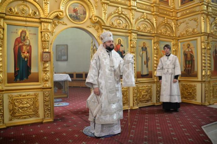 В праздник Рождества Христова архиепископ Леонид совершил Божественную литургию в Кафедральном соборе Георгия Победоносца