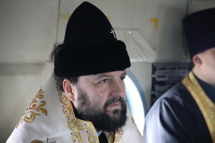 Архиепископ Леонид совершил воздушный крестный ход