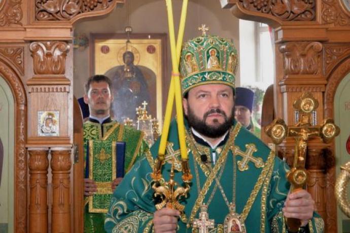 Архиепископ Леонид возглавил Божественную литургию в день Святой Троицы