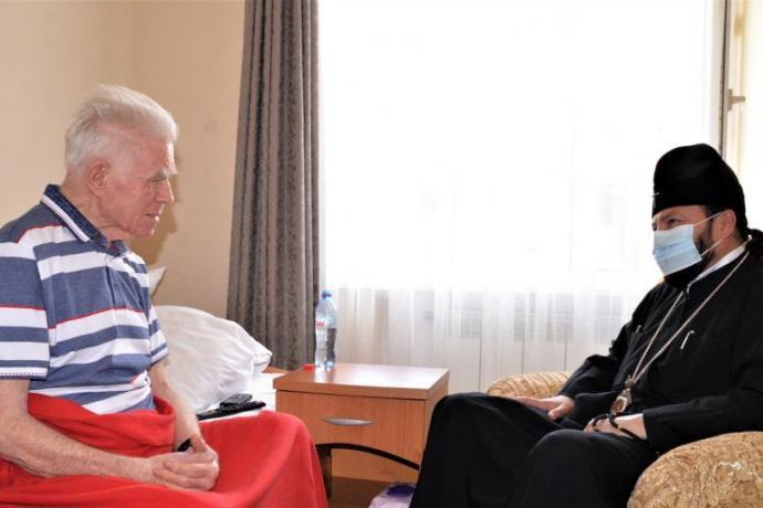 Архиепископ Леонид встретился с легендарным алановедом Владимиром Кузнецовым