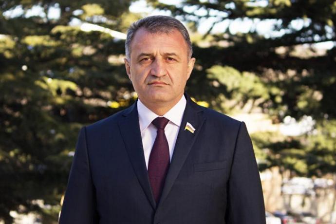 Президент Южной Осетии Анатолий Бибилов поздравил архиепископа Леонида с юбилеем