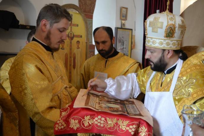 Архиепископ Леонид совершил чин освященияхрама святого Георгия Победоносца в селе Новый Урух