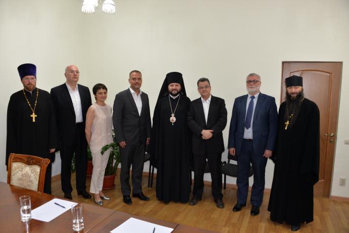 Епископ Леонид встретился с послом Швейцарии в России Ивом Россье